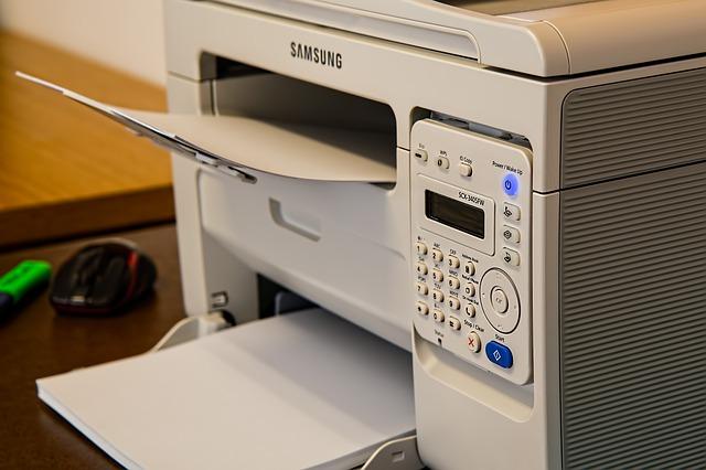 Esta impresora viene con copiadora y fax integrados