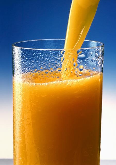 Yo quiero un vaso grande de jugo de naranja