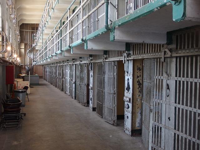 prison, English translation of a prisao