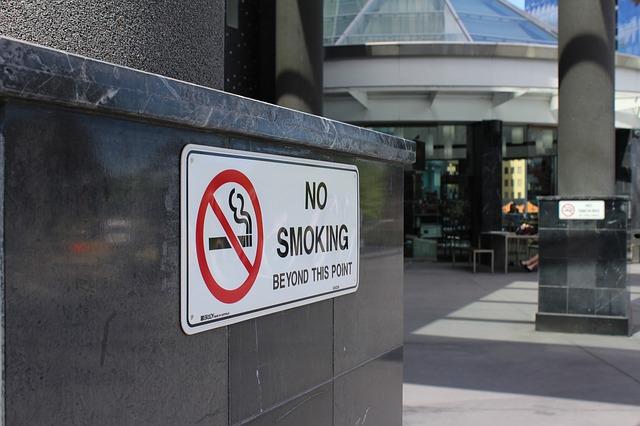 No smoking, English translation of Nao fumar