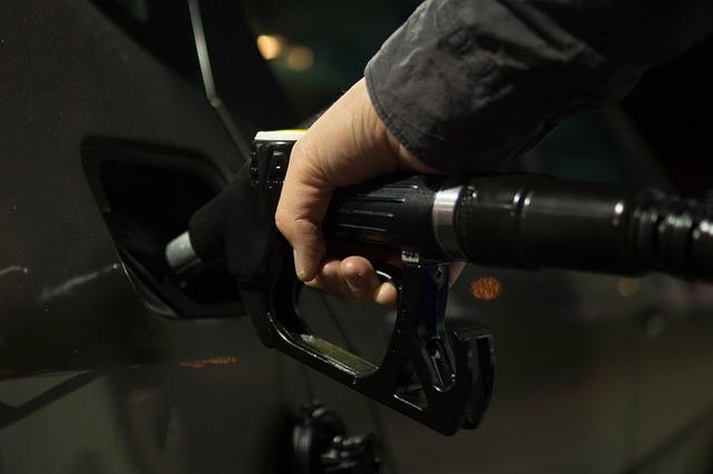 Necesito gasolina. Voy a ir a la gasolinera